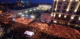 Żałoba po Smoleńsku: rosyjskie nikczemności i polskie waśnie