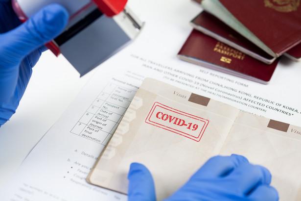 """Polacy też będą mogli otrzymać """"paszport covidowy"""""""
