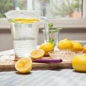 Voda sa limunom smrt za kilograme? Vreme je da proverimo mit u koji se MNOGE ŽENE KUNU