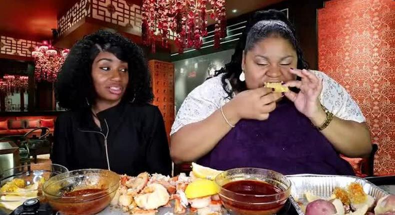Binge eating(Gfycat)