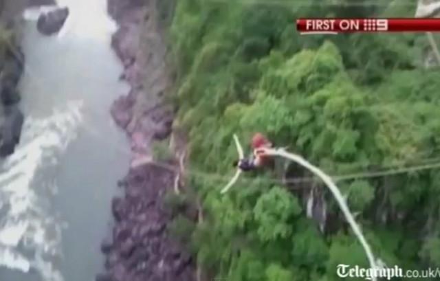 Australijanka skače sa mosta iznad reke Zambezi