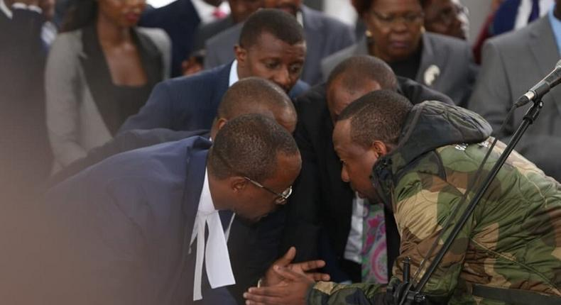 Nairobi Governor Mike Sonko with his lawyers in court