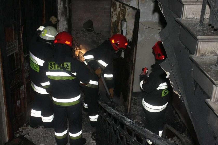 pożar, straż pożarna, ewakuacja, warszawa, kamienica