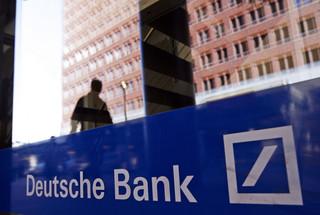 Dzień na rynkach: Wzrosty na Wall Street i w Europie na fali spekulacji o Deutsche Bank