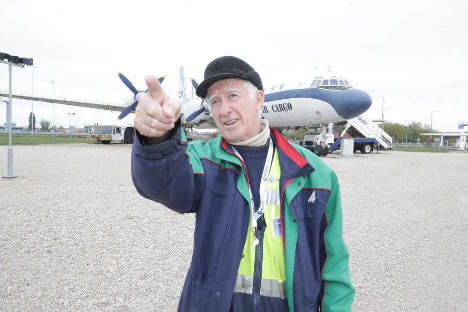 Sándor több típushibára is felhívta a régi gyártók figyelmét, volt, hogy megmentette az utasok életét /Fotó: Grnák László