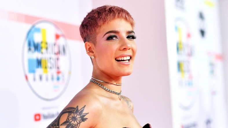Halsey Shares Scary Photo From Rock Climbing