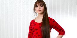 Uczy się w domu, bo dzieci wyśmiewały jej długie włosy