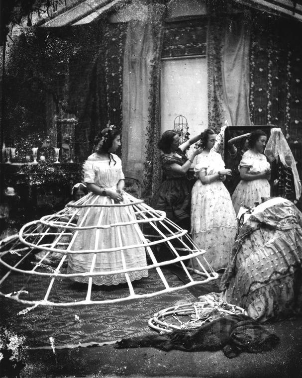 Stelaż, na który nakładano suknię - rok 1860