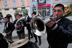 Novi Sad 255 trubaci ulicni sviraci foto Robert Getel_preview