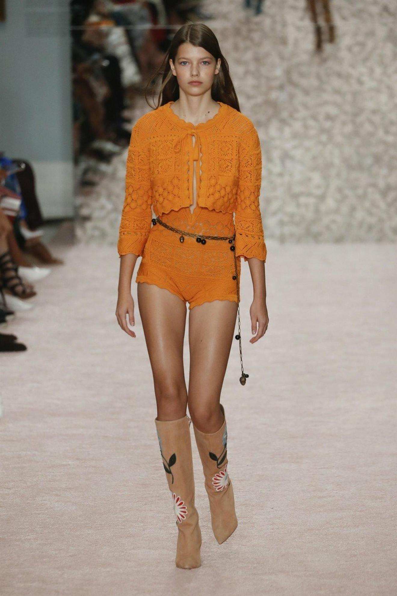 Model Karoline Herere