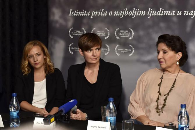 Na konferenciji je rediteljka bila veoma emotivna kao i glumica Mirjana Karanović