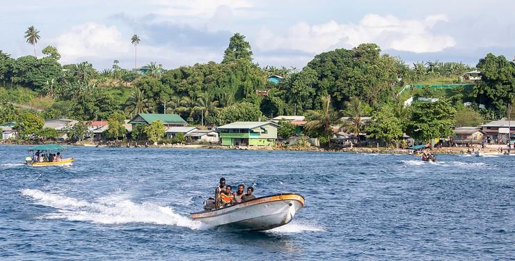 Buka Taun ostrvo Bugenvil