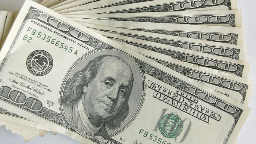 kurs dolara przekroczył 4 zł tak drogo dawno nie było