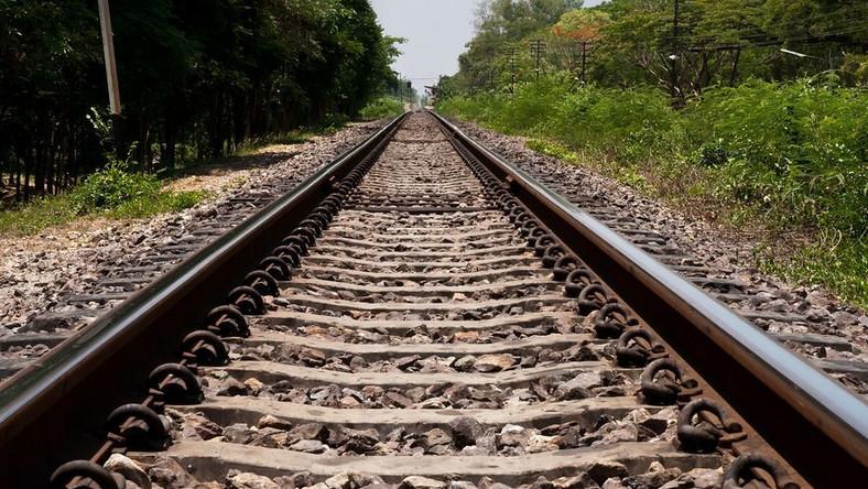 Oskarżeni zatrzymywali zarówno pociągi towarowe, jak i osobowe