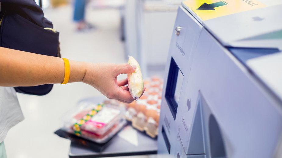 Studentka wykorzystała kasę samoobsługową do oszustwa (zdjęcie ilustracyjne)