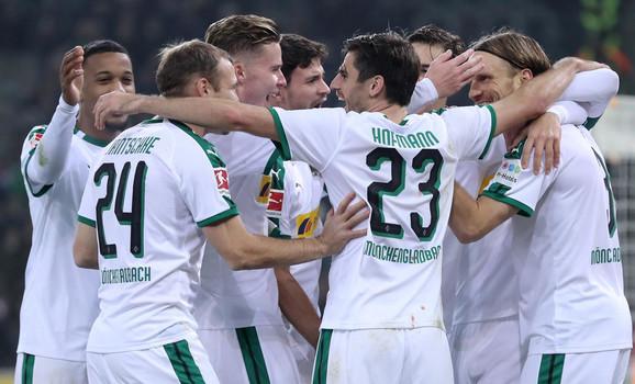 Slavlje fudbalera Borusije posle trijumfa nad Hanoverom
