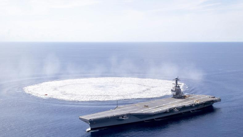 Wybuch w pobliżu lotniskowca USS Gerald R. Ford