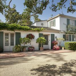 Dom Drew Barrymore w stylu Monterey Colonial - przepiękny!