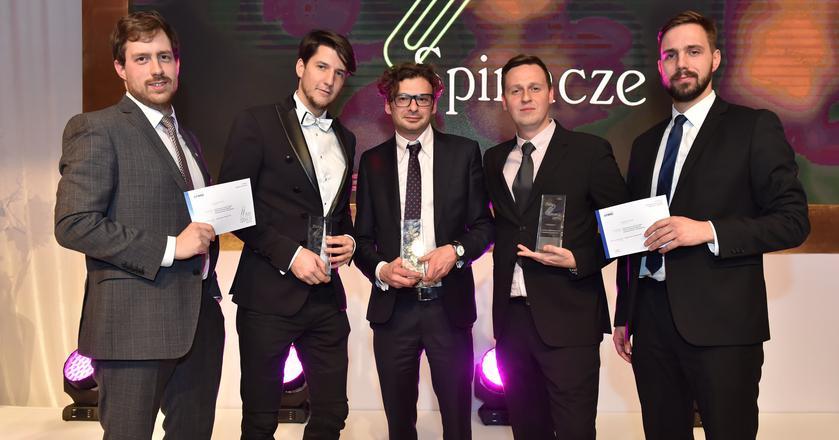 Zespół Maurent PR i Azotów po odebraniu Złotych Spinaczy 2015