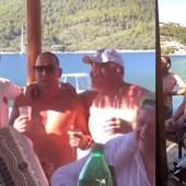 IZA SVEGA STOJI OVAJ ČOVEK! Nojerovo pevanje Tompsona je podiglo BURU u regionu, a naučio ga je trener iz Bajerna! /VIDEO/