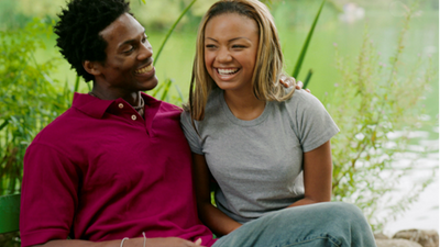 5 things you should consider before dating a friend