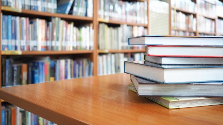 W wymaganiach egzaminacyjnych na egzaminie ósmoklasisty znalazło się mniej lektur