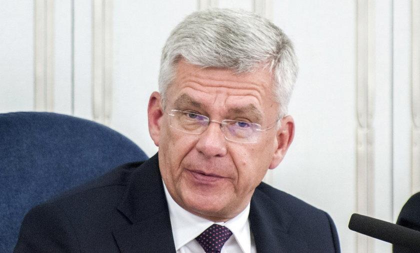 Senator Stanisław Karczewski sam żałuje, że nie może pojeździć na nartach.