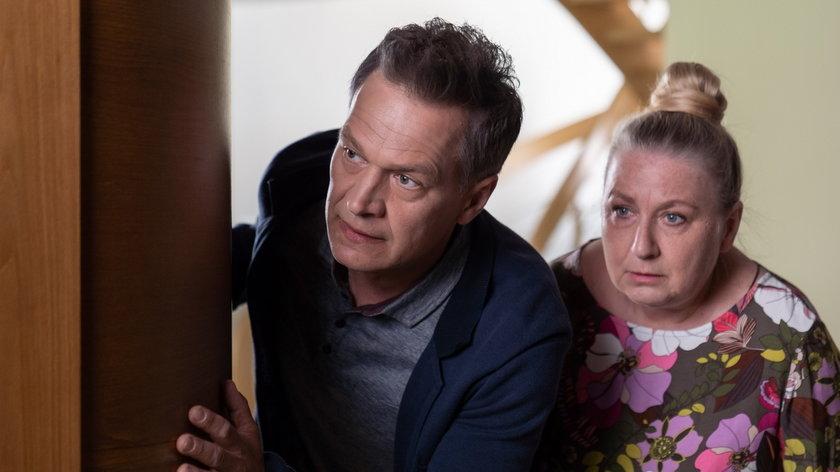 """""""Na dobre i na złe"""". Falkowicz zaproponuje pani Jadzi podwójną stawkę za opiekę nad jego synkiem"""