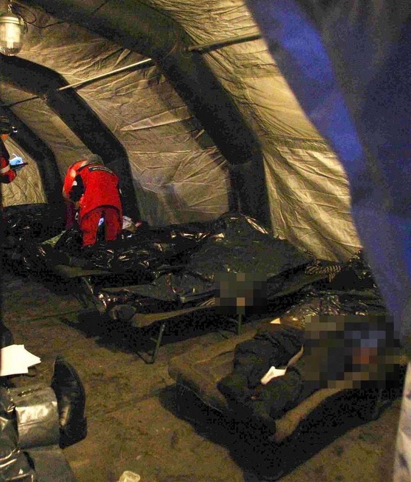Co najmniej 13 osób zginęło. Ratownicy wydobywają zwłoki z wraków pociągów