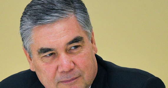Turkmenistan: prezydent odsłonił złoty pomnik psa