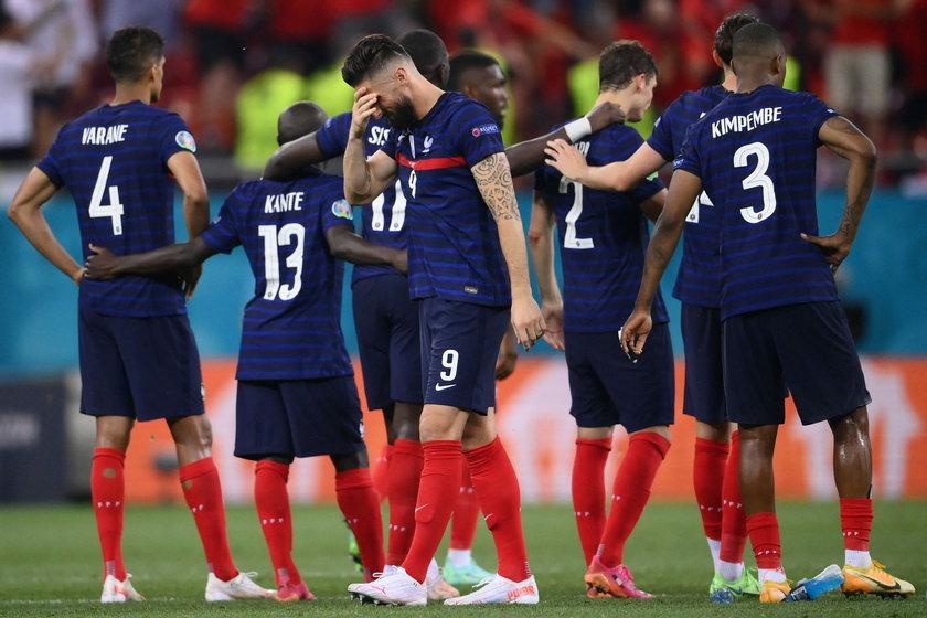 Francuzów nie będzie nawet w ćwierćfinale, bo z turnieju wyrzucili ich znacznie niżej notowani Szwajcarzy.