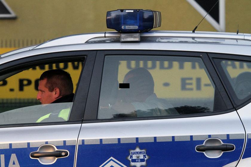Pijany strażnik więzienny wiózł dzieci