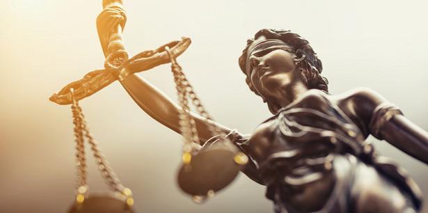 Sędzia, której wytoczono dyscyplinarkę, musi mieć możliwość osobiście bronić się przed zarzutami