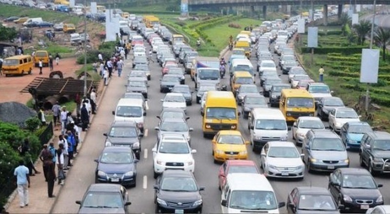 Here's how to cope with the gruesome traffic congestion in Lagos