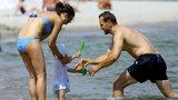 Czartoryska w bikini z mężem i dziećmi nad polskim morzem