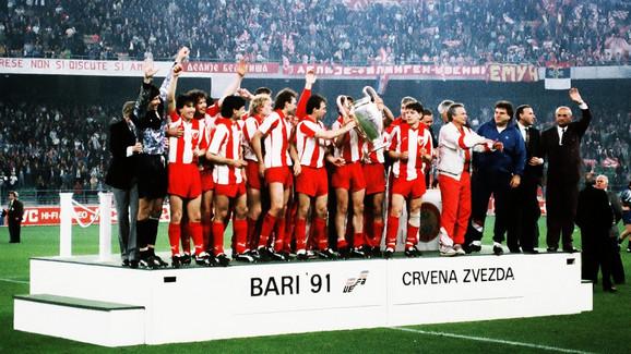 Šampionski tim crveno-belih u Bariju 1991.