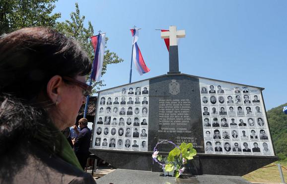Srebrenica selo Zalazje spomenik srpskim zrtvama