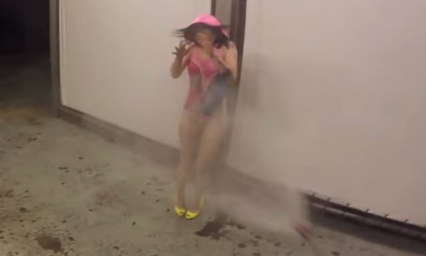 Ewelina Lisowska robi splash