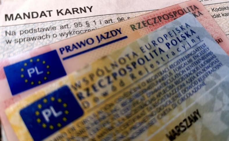 Mandat, prawo jazdy i dowód rejestracyjny