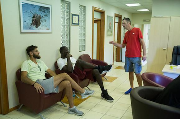 Prvo okupljanje crveno-belih košarkaša