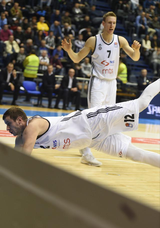 Kapitenski: Novica Veličković bacio se zbog lopte