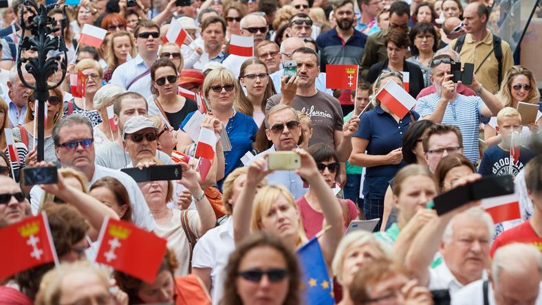 Uroczystość 90. rocznicy ustanowienia Mazurka Dąbrowskiego hymnem narodowym