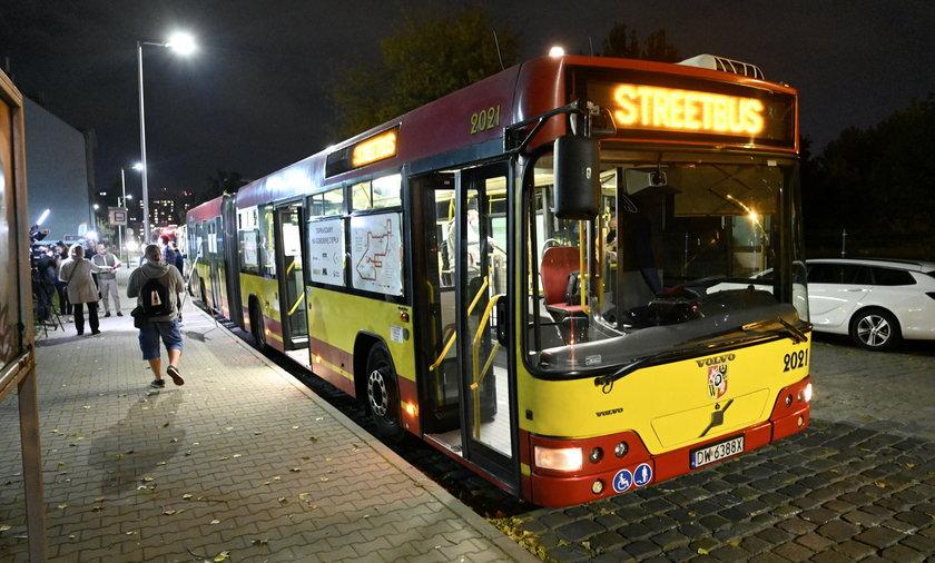 Streetbus wrócił na ulice Wrocławia i oferuje pomoc bezdomnym