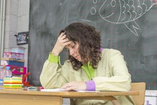 Konsekwencje zwiększenia pensum dla nauczycieli. MEiN nie policzyło, sprawdziliśmy sami