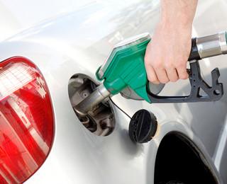 Opłaty paliwowej nie będzie. PiS rezygnuje z pomysłu