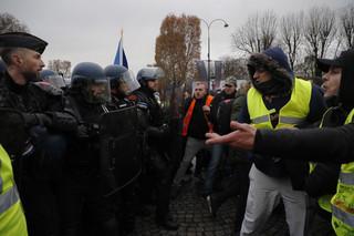 Francja: 31 tys. uczestników protestów 'żółtych kamizelek', 700 aresztowanych