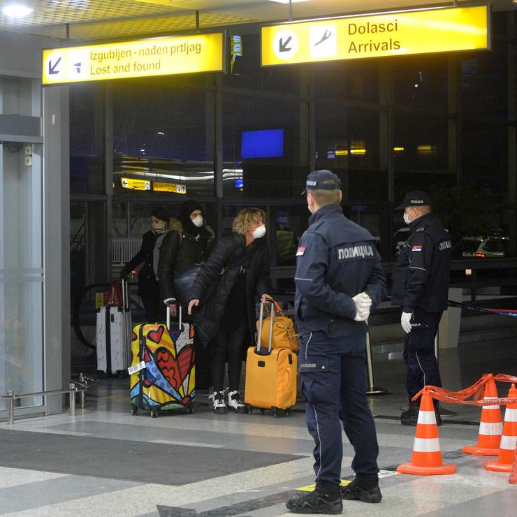 London, avion sleteo u Beograd sa srpskim državljanima