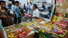 Zakaz sprzedaży fajerwerków w Delhi przed świętem Diwali