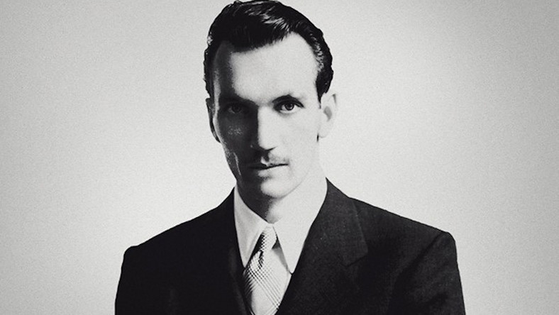 """Jan Karski na plakacie filmu """"Karski i władcy ludzkości"""" Sławomira Grünberga"""