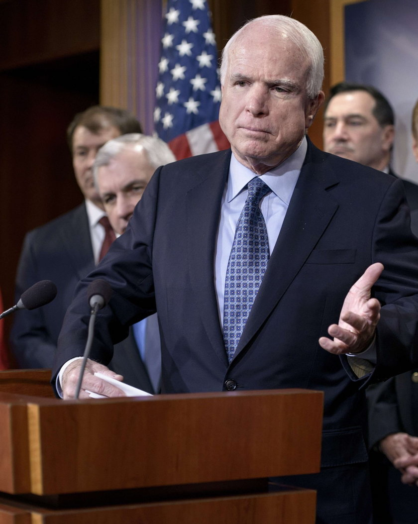 McCain od roku cierpiał na nowotwór mózgu
